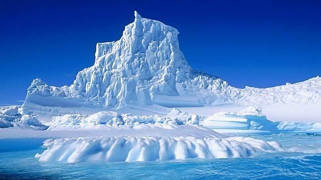 Hanyut sejak 2017, Gunung Es Terbesar di Dunia Hanyut Tanpa Arah di Laut Lepas
